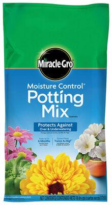 Miracle-Gro Moisture Control Potting Mix Fertilizer Enriched