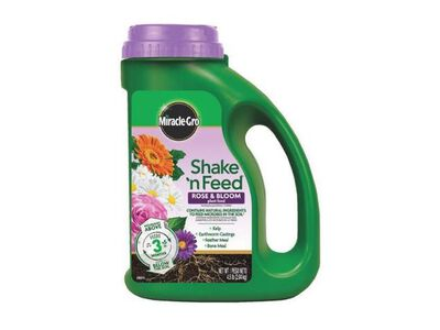 Miracle-Gro Shake 'N Feed Bloom Booster Plant Food For Flowering Plants 4.5 lb.