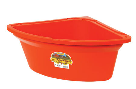 Miller 26 qt. Feeder For Livestock 9-3/4 in. H x 25-1/2 in. D