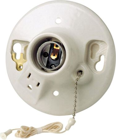 Leviton Pull Chain Socket w/Grounded Outlet 125 volts 660 watts White