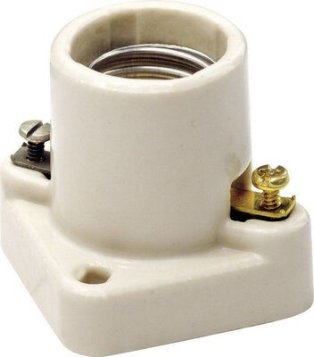 Leviton Poney Cleat Socket 250 volts 660 watts White