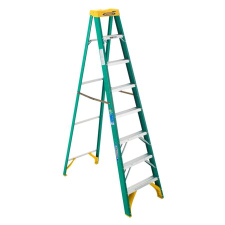 Werner 8 ft. Fiberglass Step Ladder 225 lb. Type II
