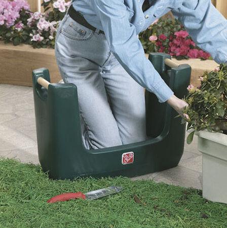 Step 2 Gardening Seats 300 cu. ft.