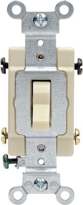 Leviton Commercial 15 amps Toggle 4-Way Switch