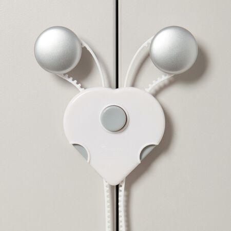 Dreambaby Flexi-Lock White Plastic Cabinet Flex Locks 8 in. H x 3 in. W 1 pk