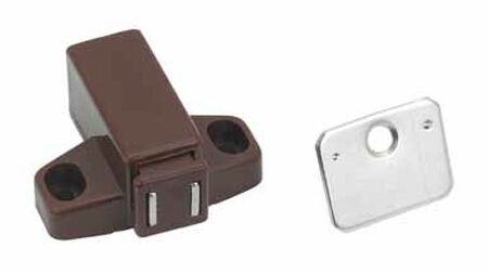 Amerock Interior Plastic Brown Magnetic Latch