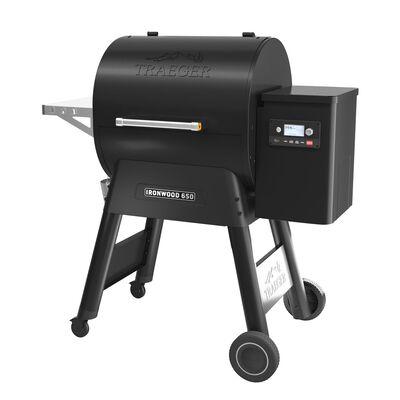 Traeger  Ironwood 650  Black  Wood Pellet  Grill